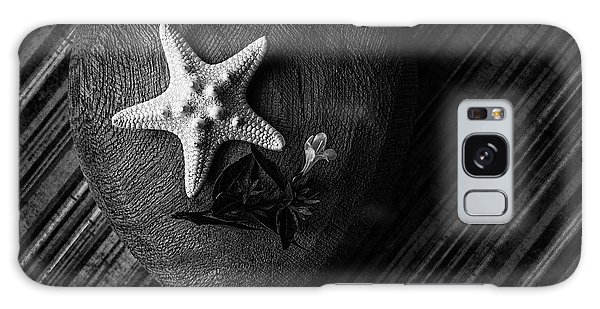 Low Key Heart And Starfish Galaxy Case