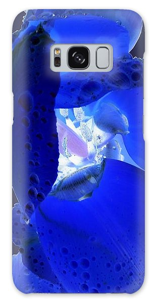 Magical Flower I - Blue Velvet Galaxy Case
