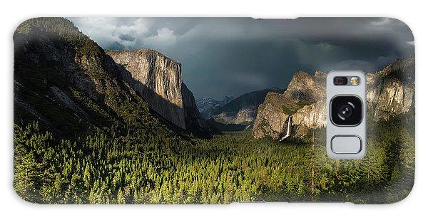Yosemite National Park Galaxy S8 Case - Majestic Yosemite National Park by Larry Marshall