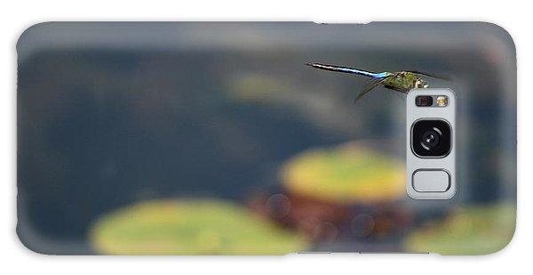 Malibu Blue Dragonfly Flying Over Lotus Pond Galaxy Case