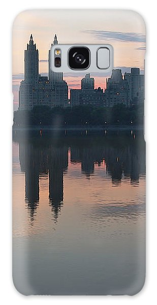 Manhattan At Night  Galaxy Case