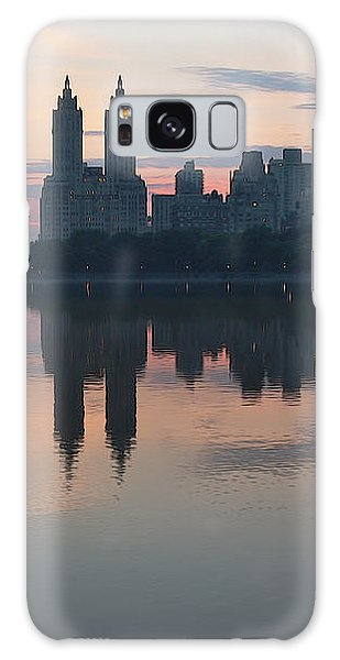 Manhattan At Night  Galaxy Case by Yvonne Wright