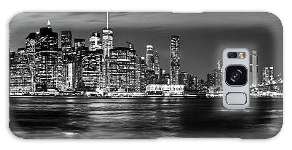 Manhattan Skyline At Dusk From Broklyn Bridge Park In Black And  Galaxy Case