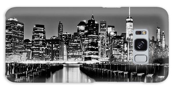 Manhattan Skyline Bw Galaxy Case