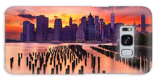 Manhattan Sunset Galaxy Case