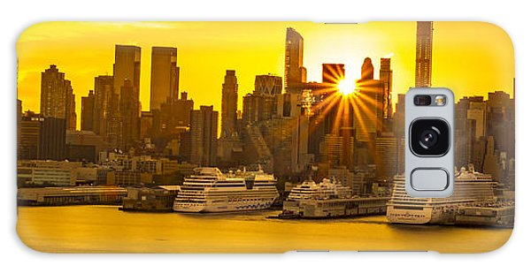 Manhattan's Ports At Sunrise Galaxy Case