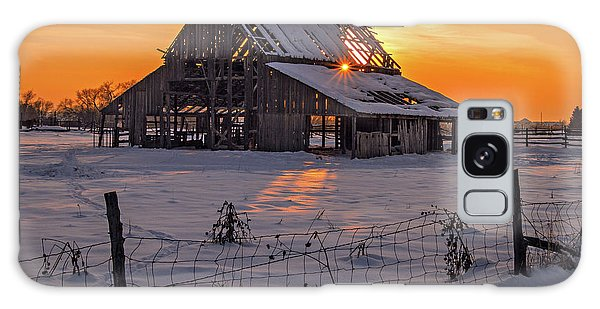 Galaxy Case featuring the photograph Mapleton Barn by Wesley Aston