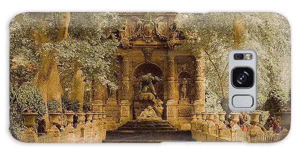 Paris, France - Medici Fountain Oldstyle Galaxy Case