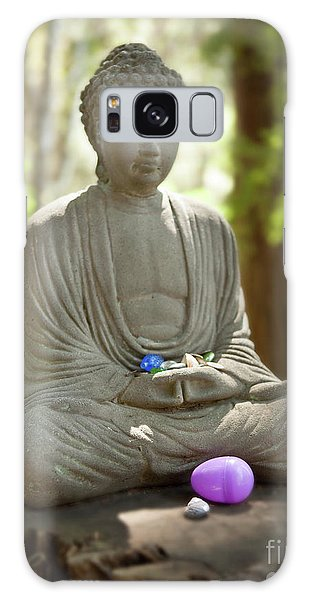 Meditation Buddha With Offerings Galaxy Case