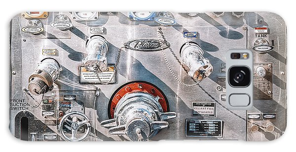 East Galaxy Case - Milwaukee Fire Department Engine 27 by Scott Norris