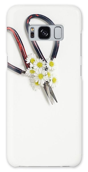 Miniature Daisies And Vintage Scissors Galaxy Case