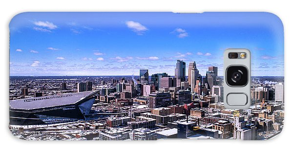 University Of Minnesota Galaxy S8 Case - Minneapolis Skyline On A Sunny Day by Gian Lorenzo Ferretti