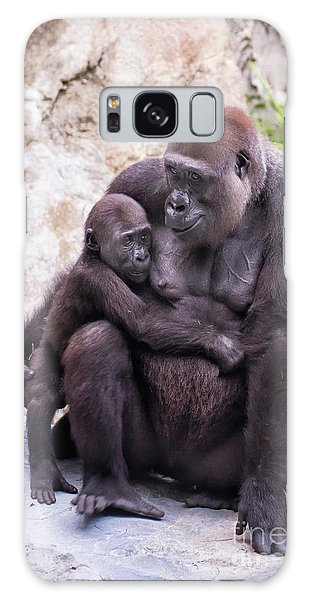 Mom And Baby Gorilla Sitting Galaxy Case