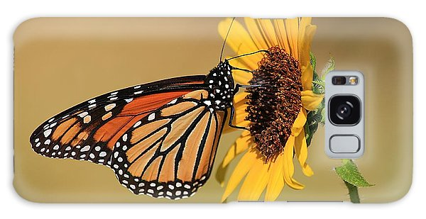Monarch Butterfly On Sun Flower Galaxy Case