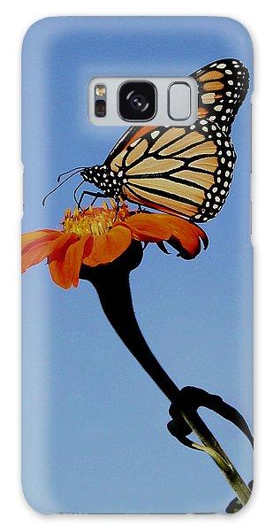 Monarch On Zinnia  Galaxy Case