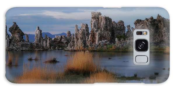 Mono Lake Tufas Galaxy Case
