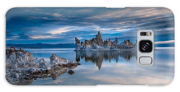 Galaxy Case - Mono Lake Tufas by Ralph Vazquez