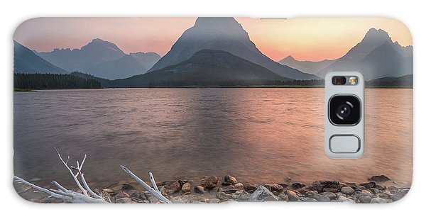 Montana Gold // Swiftcurrent Lake, Glacier National Park  Galaxy Case