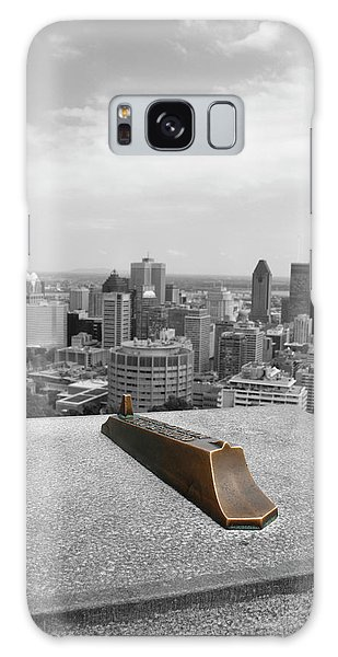 Montreal Cityscape Bw With Color Galaxy Case
