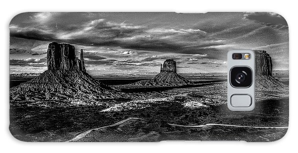 Monument Valley Views Bw Galaxy Case