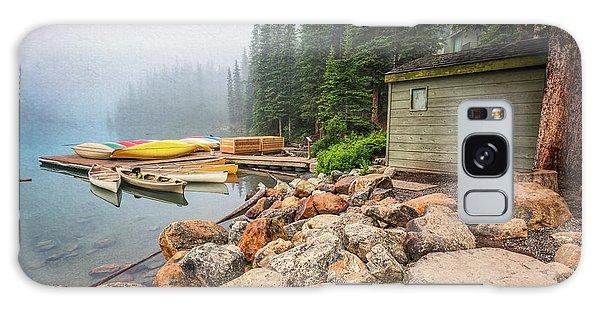 Moraine Lake Galaxy Case - Moraine Lake And Boathouse by Joan Carroll