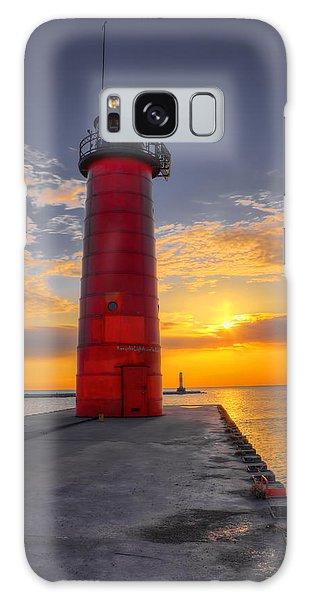 Morning At The Kenosha Lighthouse Galaxy Case