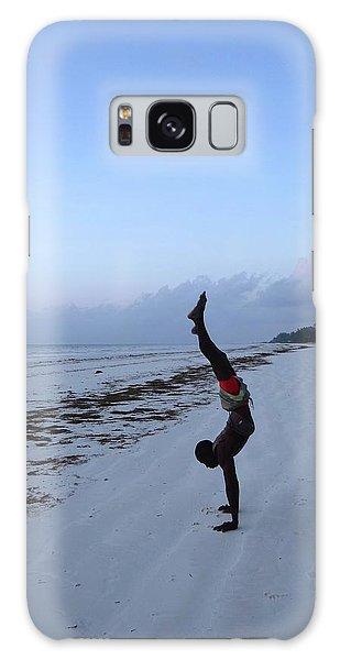Exploramum Galaxy Case - Morning Exercise On The Beach by Exploramum Exploramum