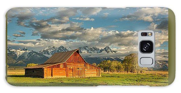 Morning Light On Moulton Barn #2 Galaxy Case