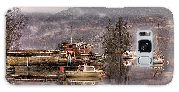 Morning Reflections Of Loch Ness Galaxy Case by Ian Middleton