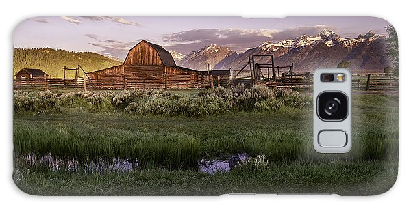 Moulton Barn At Dawn Galaxy Case