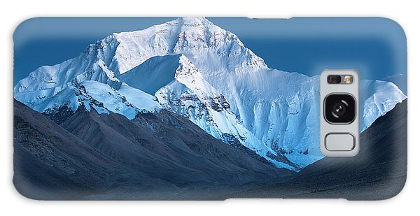 Galaxy Case featuring the photograph Mount Everest At Blue Hour, Rongbuk, 2007 by Hitendra SINKAR