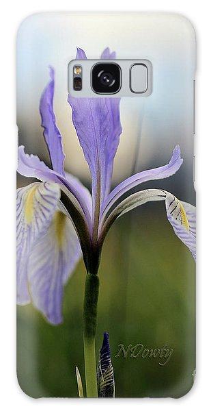 Mountain Iris With Bud Galaxy Case