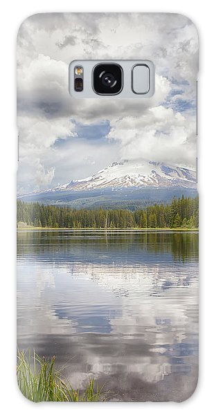 Mt Hood From Trilliam Lake Galaxy Case