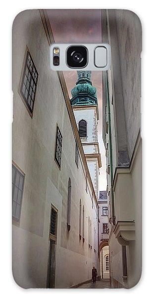 Narrow Alley In Vienna Old Town Austria  Galaxy Case