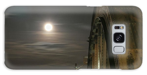 Night Shot Of The Los Angeles 6th Street Bridge And Supermoon #2 Galaxy Case