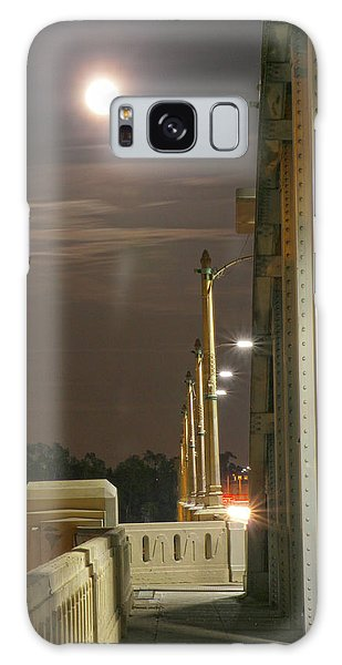 Night Shot Of The Los Angeles 6th Street Bridge And Supermoon #3 Galaxy Case