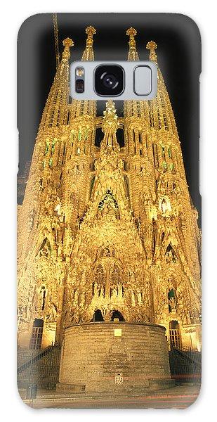 Night View Of Antoni Gaudis La Sagrada Galaxy Case
