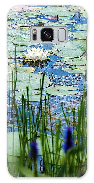 North American White Water Lily Galaxy Case