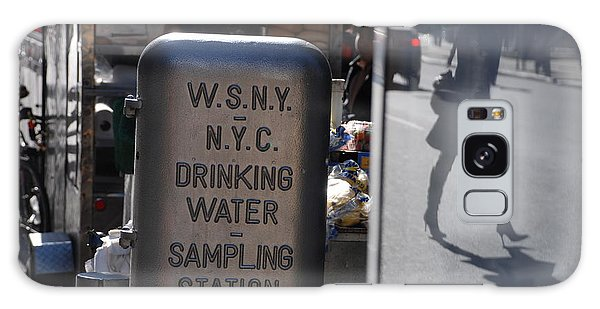 Nyc Drinking Water Galaxy Case by Rob Hans