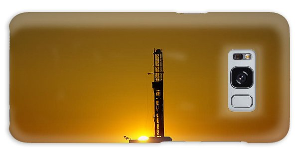 Killdeer Galaxy Case - Oil Rig Near Killdeer In The Morn by Jeff Swan