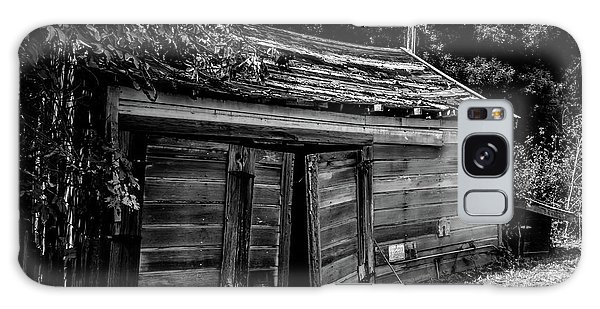 Old Abandoned Shed Fort Ross In Black And White Galaxy Case