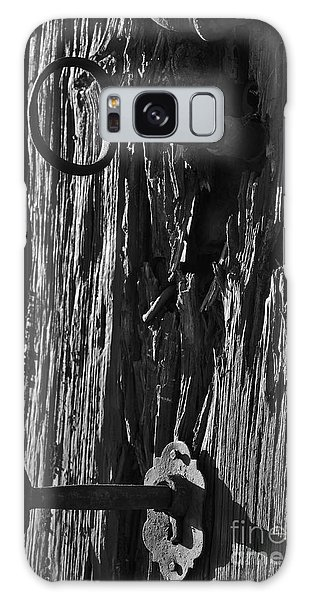 Old And Abandoned Wooden Door With Skeleton Keys Galaxy Case