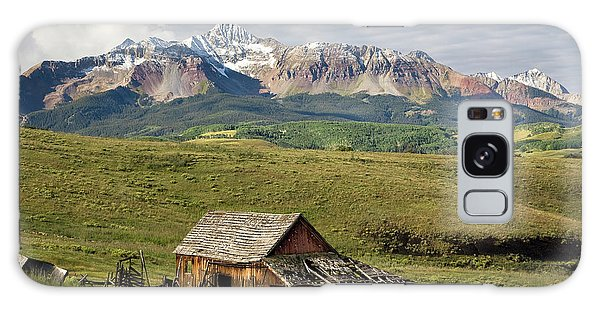 Old Barn And Wilson Peak Horizontal Galaxy Case