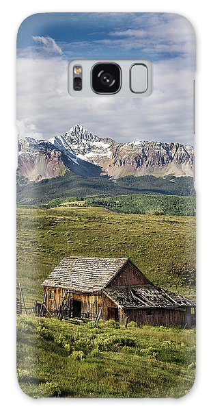 Old Barn And Wilson Peak Vertical Galaxy Case