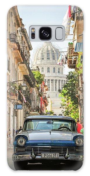 Old Car And El Capitolio Galaxy Case