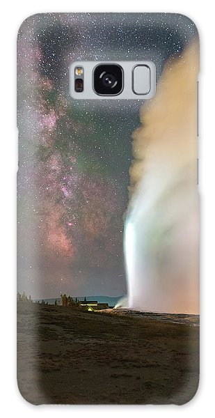 Old Faithful Erupts At Night Galaxy Case