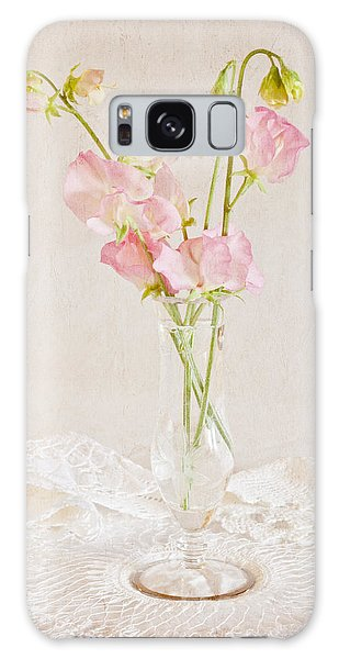 Old Fashioned Sweet Peas Galaxy Case by Sandra Foster