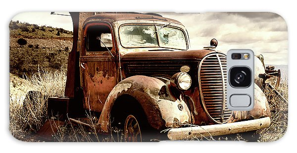 Old Ford Truck In Desert Galaxy Case