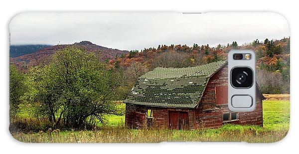 Old Red Adirondack Barn Galaxy Case