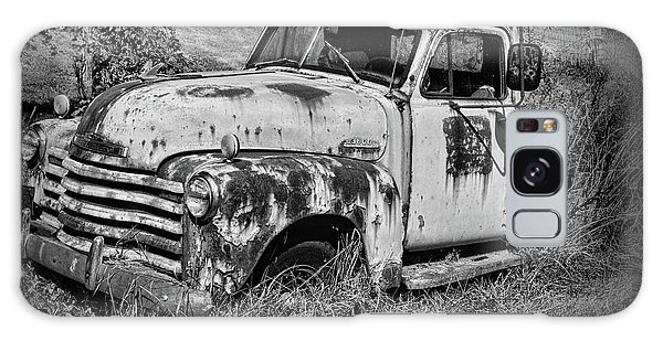 Old Rusty Chevy In Black And White Galaxy Case by Paul Ward